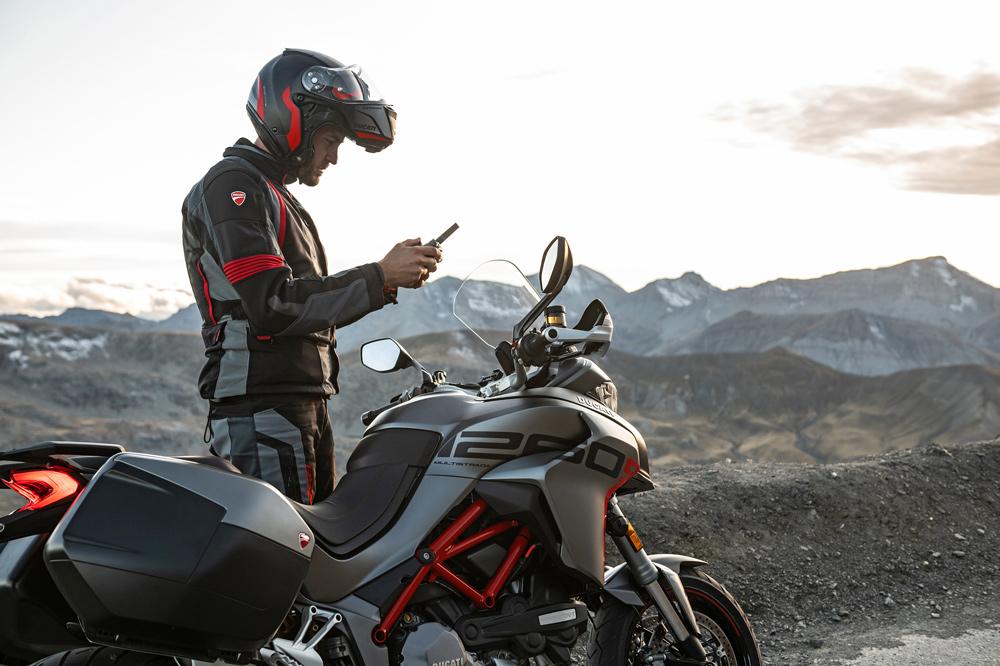 Qué debo hacer si tengo un problema con mi moto en el extranjero