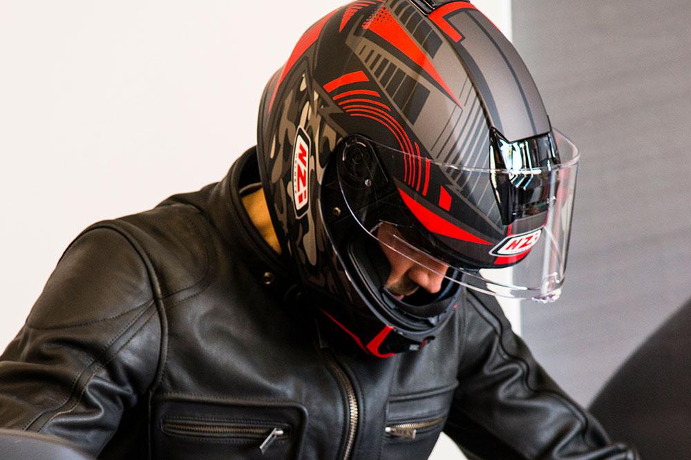 El casco de moto es el único elemento obligatorio, al menos de momento